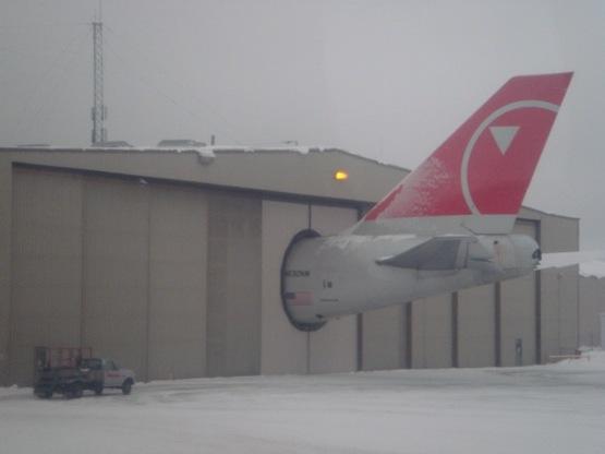 Plane_garage